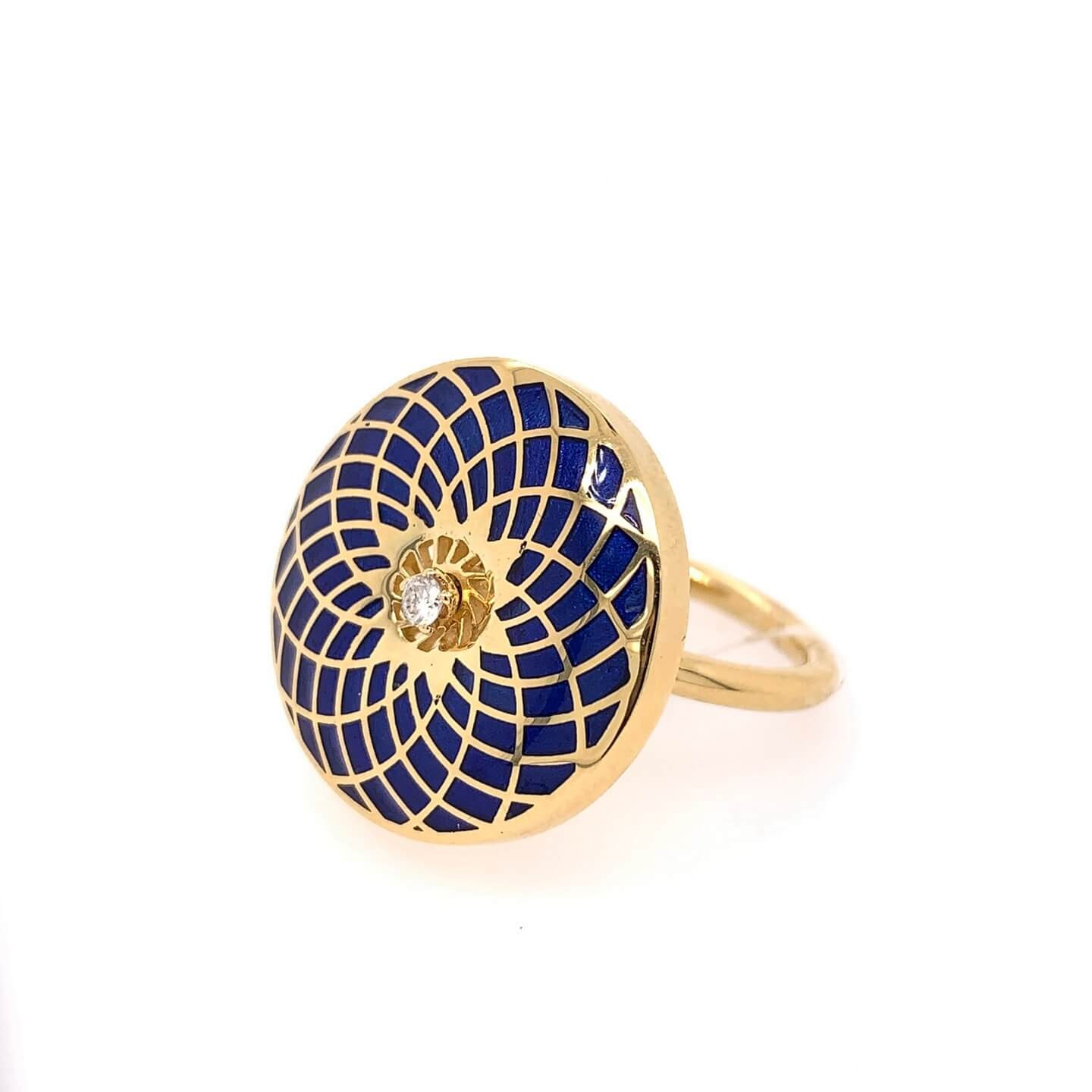 Gold K18 ring with diamonds 0.05ct and blue enamel