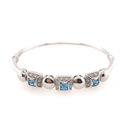 White Gold Bracelet with Blue Topaz and Diamonds